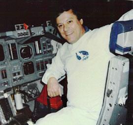 Un technicien de la NASA divulguerait des informations sur l'existence des ovnis - Page 2 NASA_McClelland
