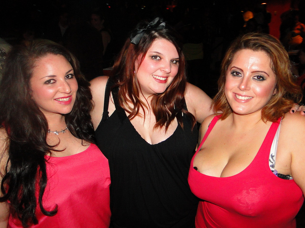 Full figured adult dating info
